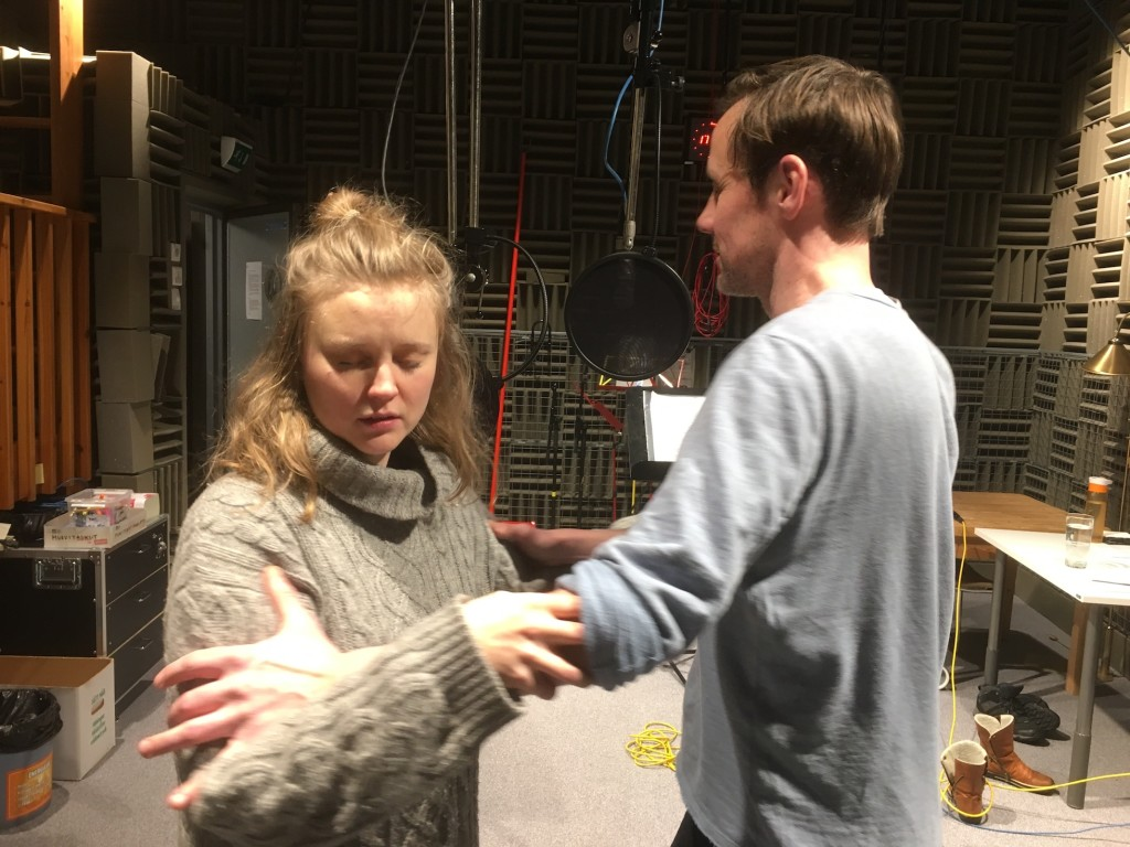 How to do love making not embarrassing in radio? Laura Rämä (Aleksandra nuorempi) and Jukka Peltola (Vladimir) invented a physical method for it.